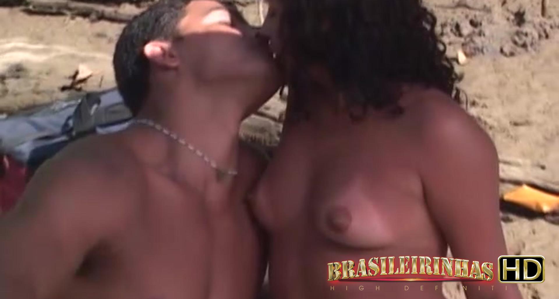 Something casal fazendo sexo bem gostoso casually