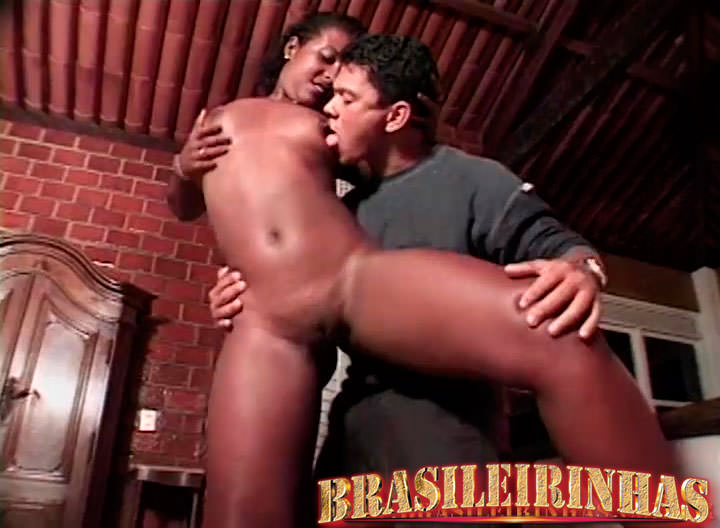 sexo com mulatas sexo oral