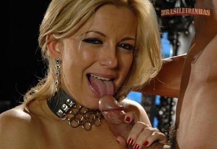 Ao olhar Silvia dando, Regininha fica com vontade