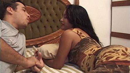 Em alguma balada de forró, na Bahia, o marmanjo conversa com uma more